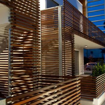 Rivestimenti per esterni per facciate in legno orobica legno for Pannelli resistenti al fuoco per rivestimenti di case